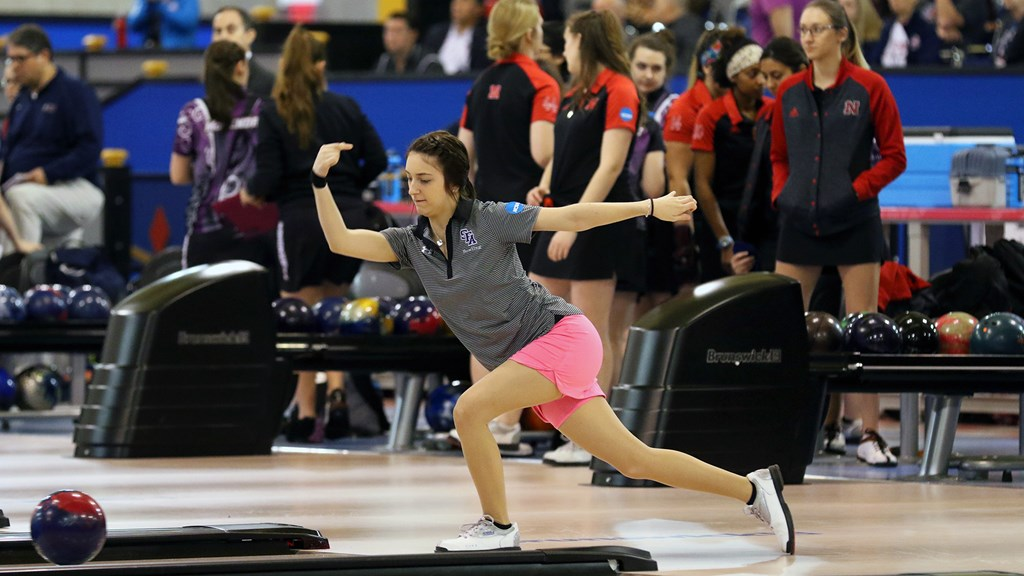 Bowling Closes Out Track Kat Klash In Houston With Sixth Place